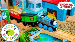 Thomas and Friends   SHARK FOOD DELIVERY! Fun Toy Trains for Kids   Thomas Train with Brio