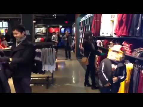 Redskins Harlem Shake In DC RG3   Funny Videos