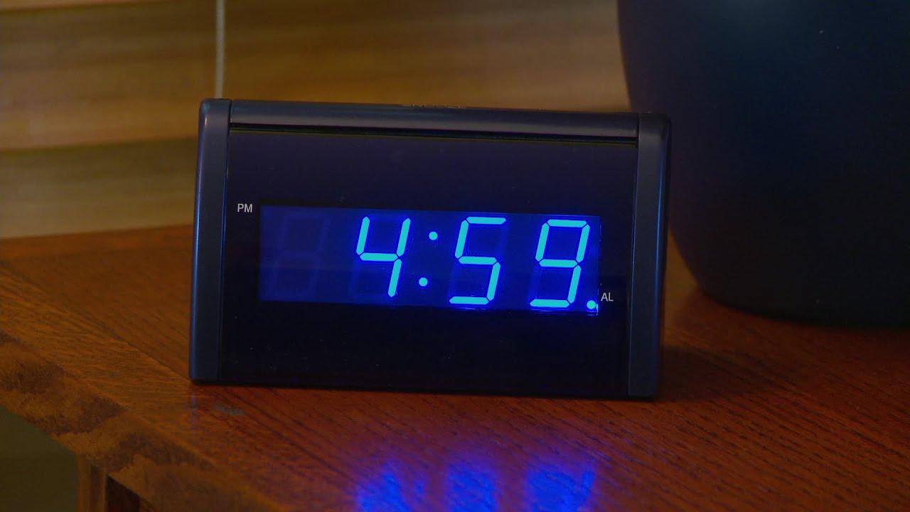 I set my alarm clock for at 7 am  WordReference Forums