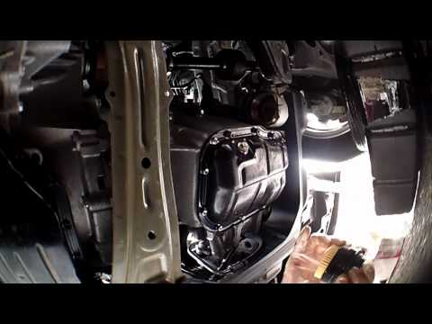 Toyota Corolla type s 2010 Oil filter change out