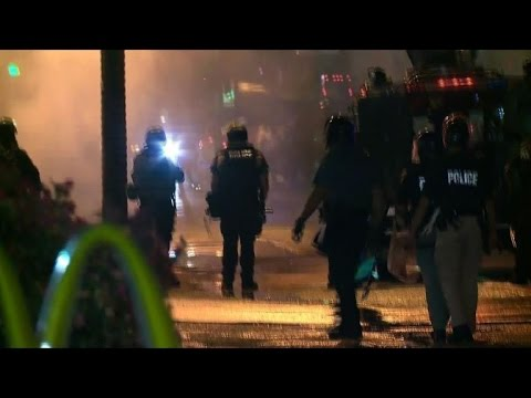 200 defy Ferguson curfew order