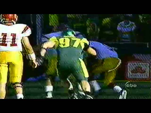 USC RB Reggie Bush fumbles, but refs screw over Oregon 9-24-2005