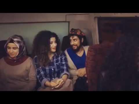 Kürtçe Komik Klip - Minibüste Adam Kendisiyle Konuşulduğunu Zanederse