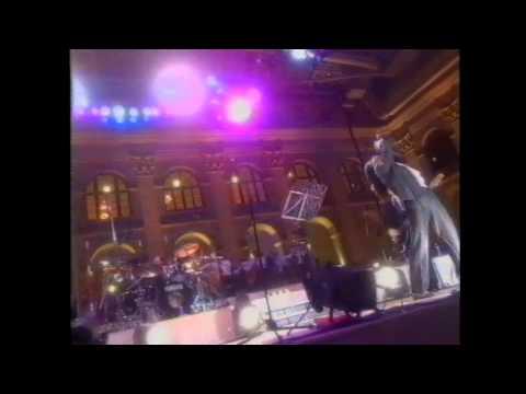 Мумий Тролль - Ему не взять тебя (Live @ Гостинный Двор 2000)