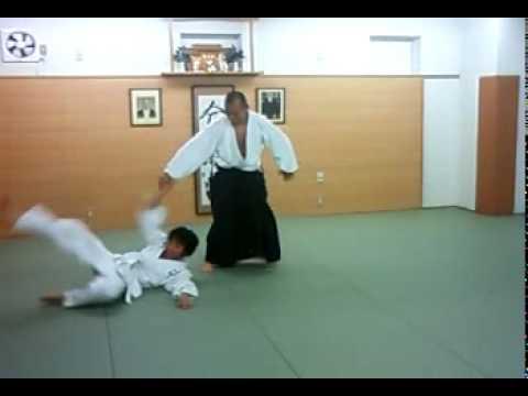 合気道 合気塾 諸手取り 下段 腰投げ-02 aikido morotedori gedan koshinage-02