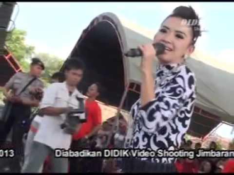 Monata Jimbaran suci Dalam Debu Rena video