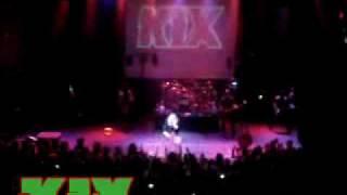 Watch Kix Red Light Green Light Tnt video