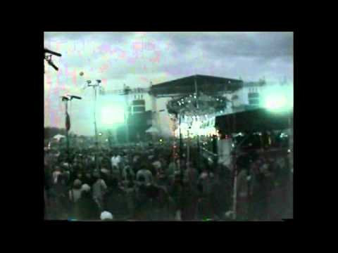 PHiSH 12-31-1999 track 29-30 Hood Tease--Also Sprach Zarathustra--Wading In The Velvet Sea
