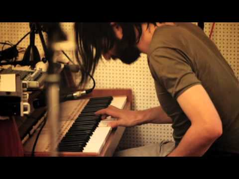 Thumbnail of video Apparat Band - Ash/Black Veil Chez Cherie Sessions pt.1