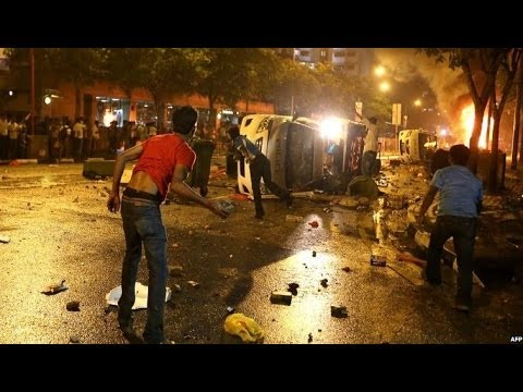 SINGAPORE BUS DEATH SPARKS A RIOT - BBC NEWS