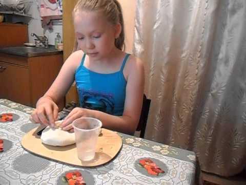 Как делать поделки из соленого теста - видео