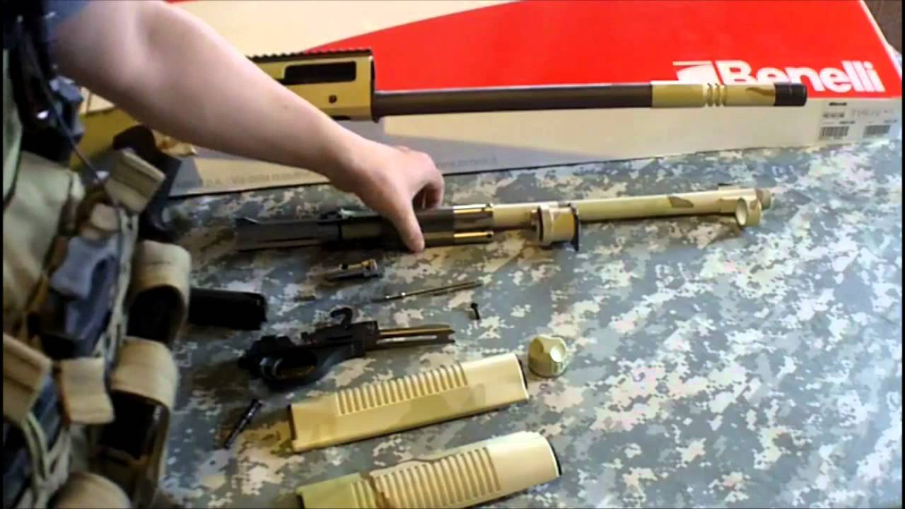 BENELLI M4 super 90 : how to fieldstrip this uber shotgun ...