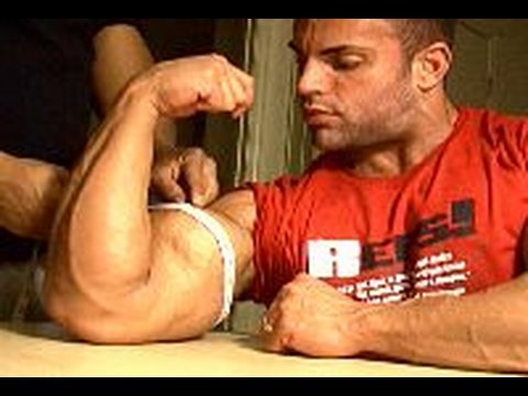Bodybuilding - Chris Jalali biceps measure