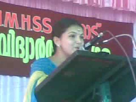 Saranya Mohan_Singing the song Manassinnu marayila