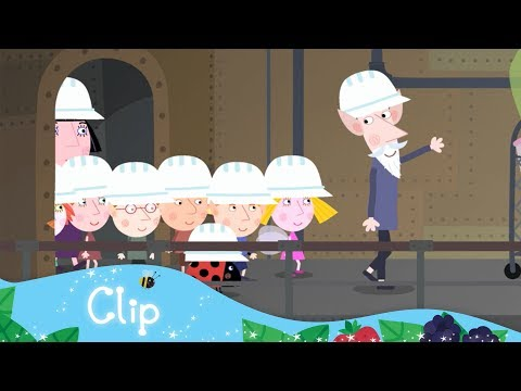 Ben and Holly's Little Kingdom - A tour of the Elf Factory!