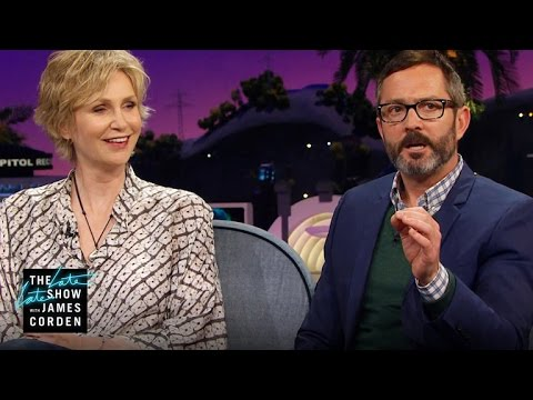 Jane Lynch & Thomas Lennon Are Skeptical About Psychics