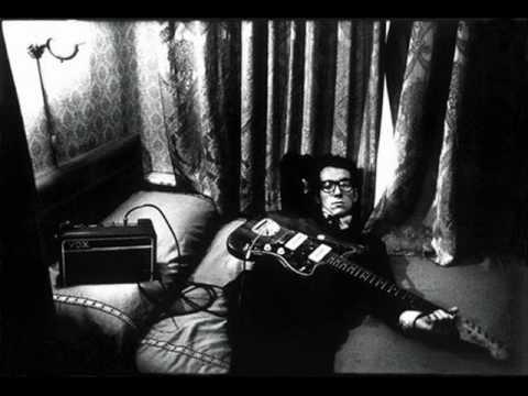 Elvis Costello - Strange