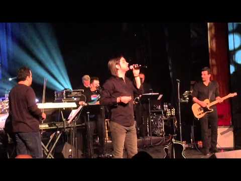 Mohsen Yeganeh Live in Concert Seattle ( Dele Divooneh ) Dooset Daram