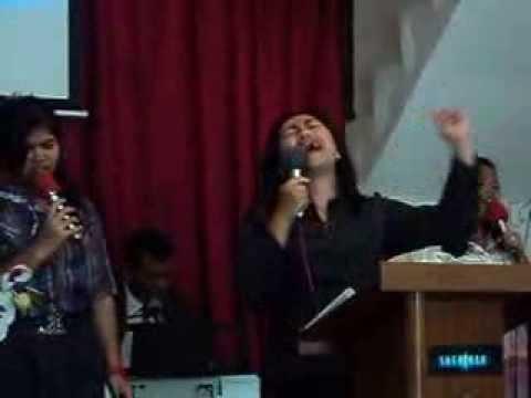 Apapun yang terjadi dala hidupku ini  ( Lagu rohani kristen 2013 )
