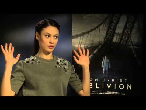 Oblivion -- Olga Kurylenko Interview