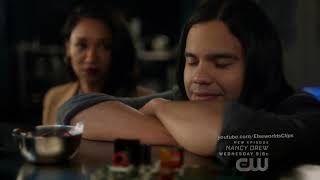Cisco Figures Out Barry's Speaking to Him Using Ramsey   The Flash 6x08 HD