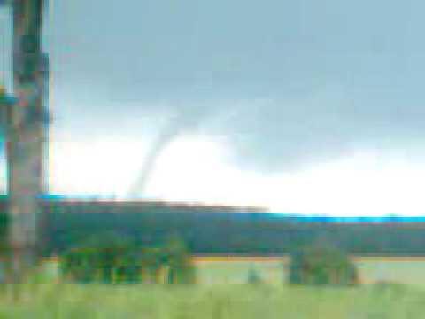 Trąba Powietrzna Niedaleko Olesna [ Tornado In Poland ]
