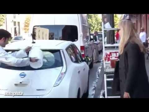 El Nissan Leaf que se limpia solo funciona