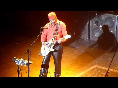 Experience Hendrix (Ernie Isley&Billy Cox) - Manic Depression (Live In Montreal)