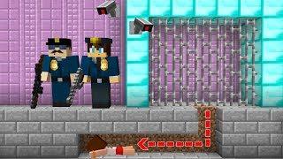Minecraft HAPİSHANE EVLERDEN KAÇIŞ ! (Yapı Kapışmaları)