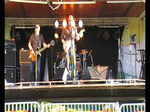 Micke Mojo Trio - Rhumba blues-with bass solo -and drum solo!