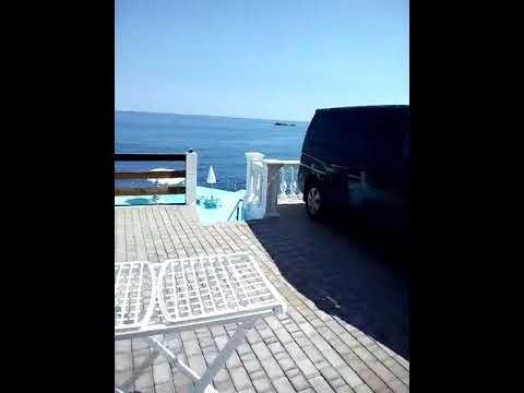 Отдых в Крыму, посёлок Утес - гостиница у побережья