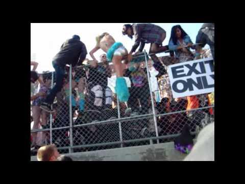 EDC 2010 - People Get Trampled