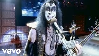 Клип KISS - Shout It Out Loud (live)