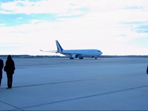 Raw: French Pres. Hollande Arrives At Andrews