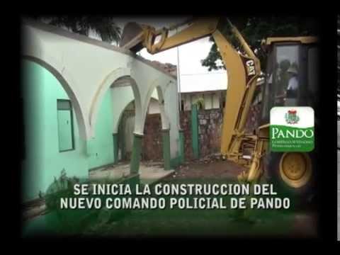 Policía de Pando es destruida con un tractor por la Gobernacion