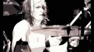Watch Melvins We All Love Judy video