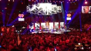 Download Lagu Tim McGraw Diamond Rings and Old Bar Stools iHeartCountry 2015 Gratis STAFABAND