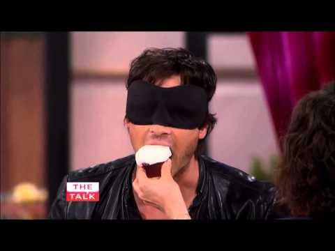 Ian Somerhalder participa de um Jogo Misterioso no The Talk [Legendado]