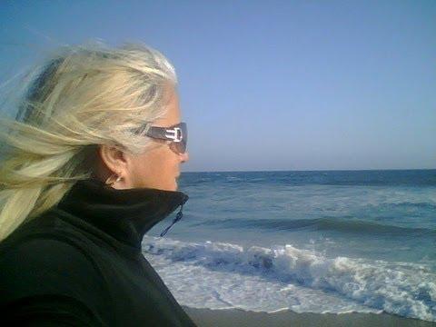 Gina Barkey - I Gotta Be Free Free As A Bird