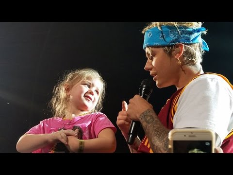 Justin Bieber Serenades Little Girl On Stage At Purpose Tour