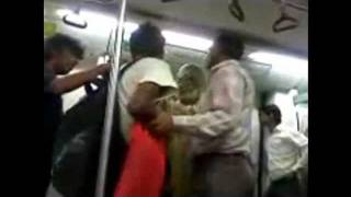 Metro fight India - Delhi Metro