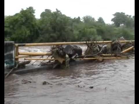 Arroyo Torres, inundación, Puente de Placeres del Oro, Guerrero
