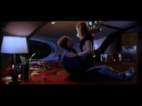 Deleted Love Scene From Charlie's Angels video