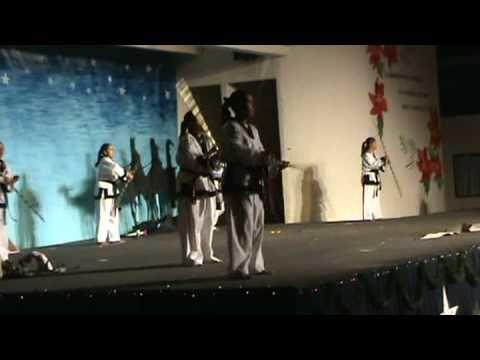 Villa de las Niñas - Demostración de artes marciales parte 3