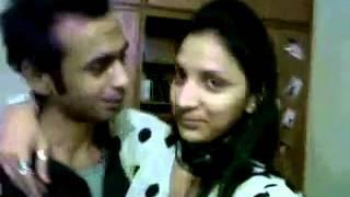 PAKISTANI   SHEMALE    RESHMA RANI WITH LOVER