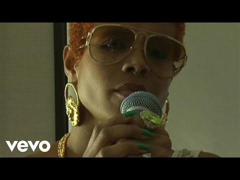 "Kelis - Kelis Live at the Cherrytree House  Part 3 ""Brave"""
