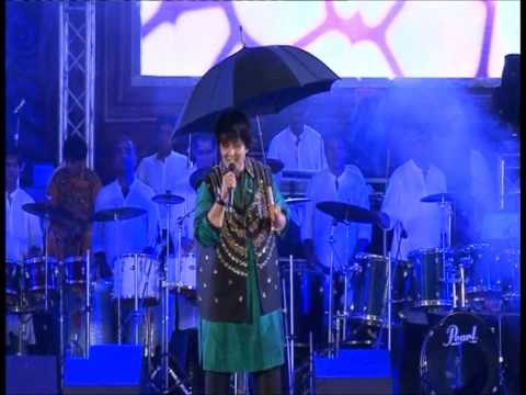 Pari Hu Main : Falguni Pathak Navratri 2012 video