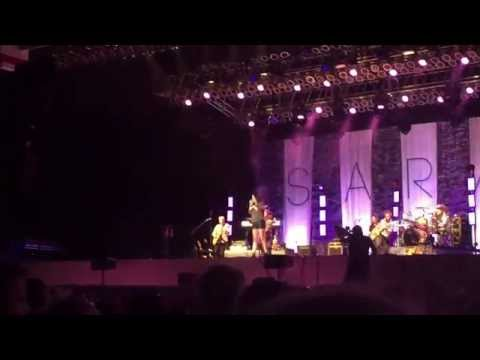 Sara Evans Can't Stop Loving You Live