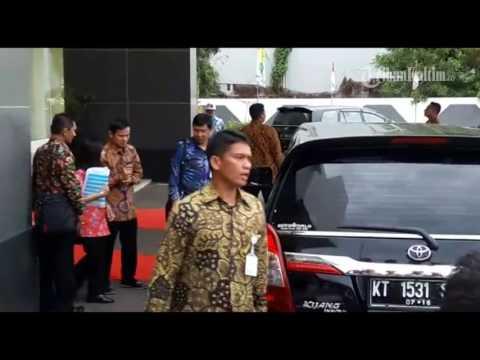 Download Lagu VIDEO Jokowi Tiba di Balikpapan Tapi Sebelumnya Peralatan Ini Yang Tiba Dahulu MP3 Free