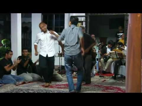 Lively Arabic Gambus Zapin Music And Dance video